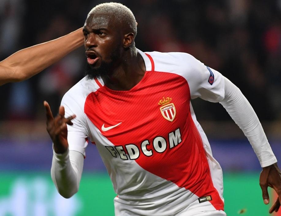 Photo of Tiémoué Bakayoko back in Chelsea limbo
