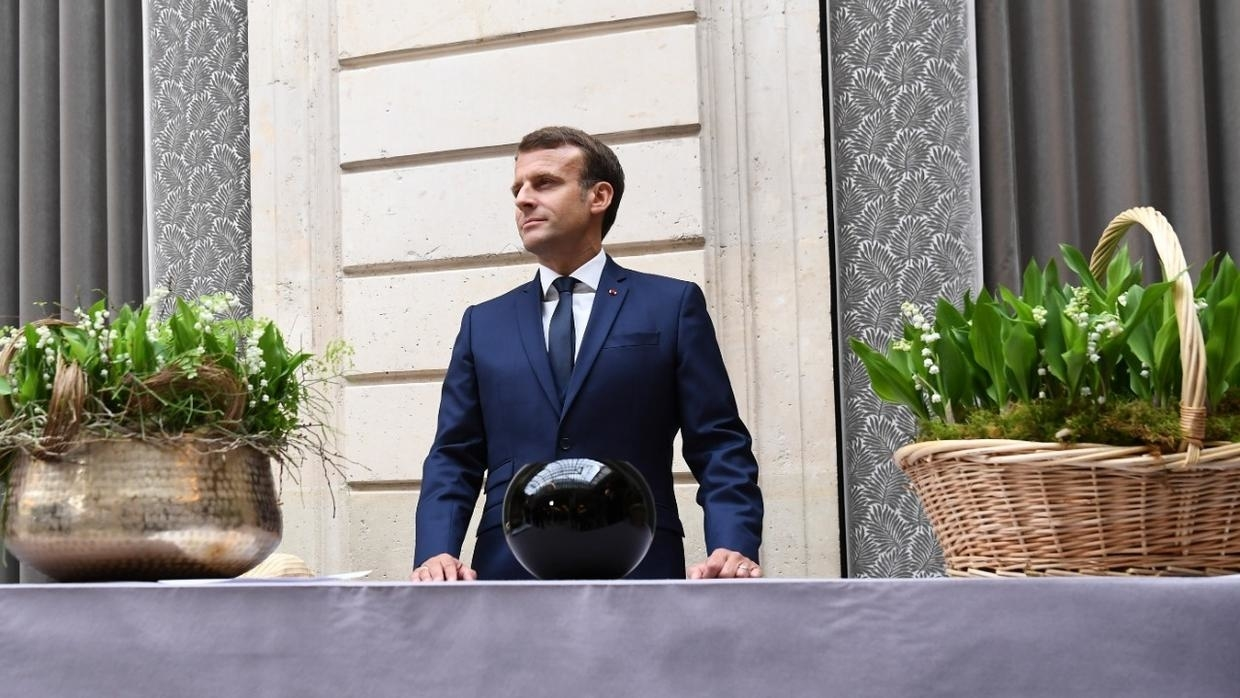 Photo of In May Day address, Macron warns that life won't return to 'normal' after lockdown ends