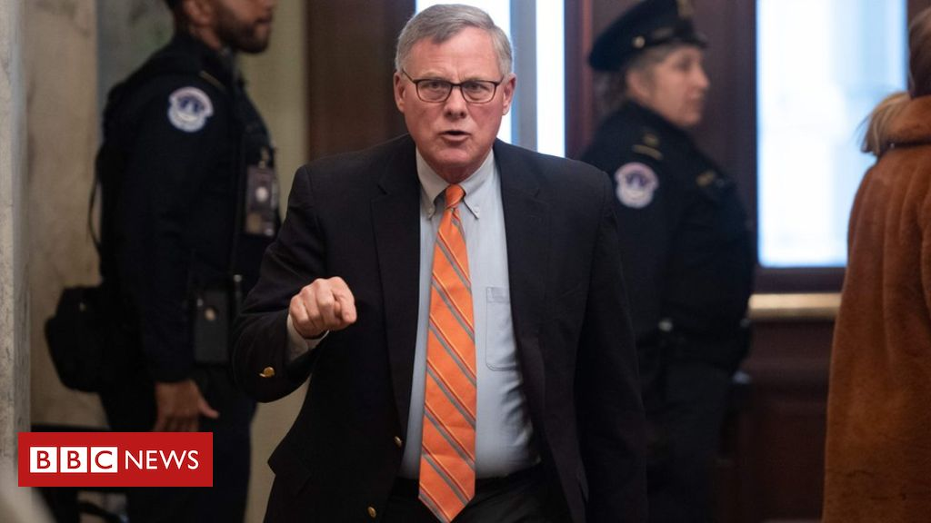 Photo of Richard Burr: US Senate intelligence chief quits amid virus trading scandal