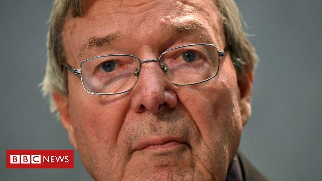 Photo of Cardinal Pell 'knew of' clergy abuse, says Australian royal commission
