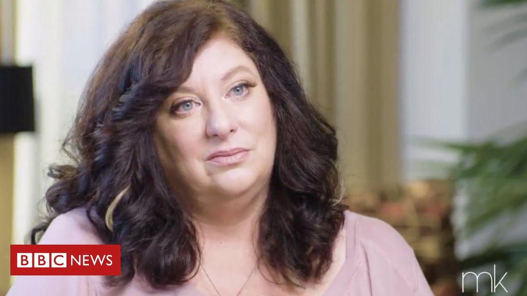 Photo of Tara Reade: Biden sex attack accuser urges him to quit race