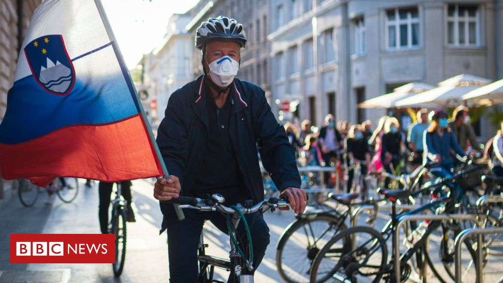 Photo of Slovenia cyclists hold anti-government protest