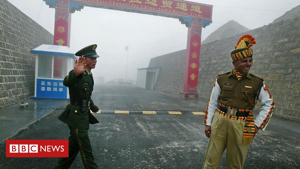 Photo of Indian and Chinese troops 'clash on border' in Sikkim