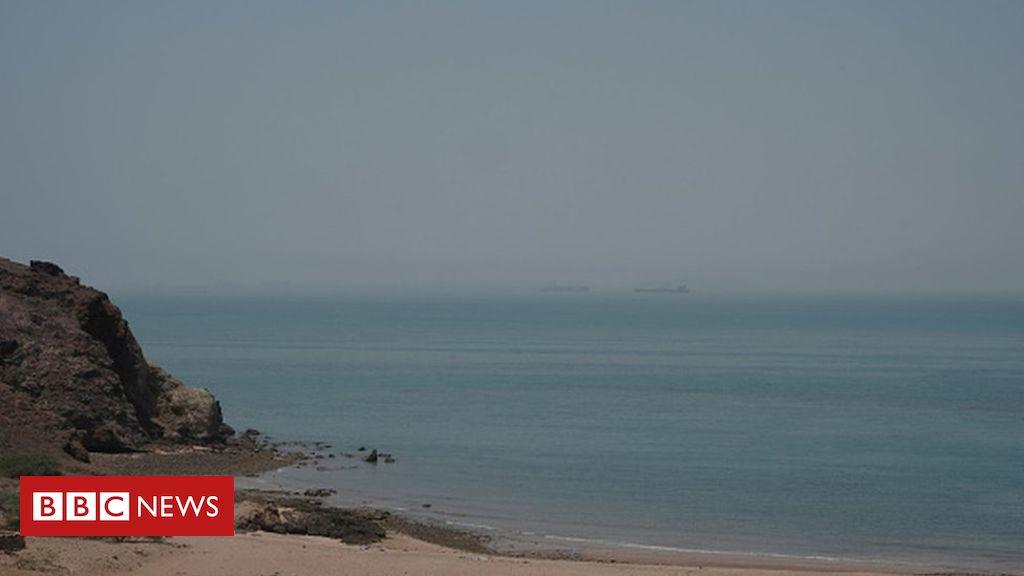 Photo of Iranian navy ship Konarak 'sunk by friendly fire' from frigate