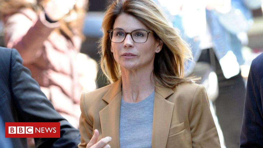 Photo of Lori Loughlin: US actress to plead guilty in college cheating scam