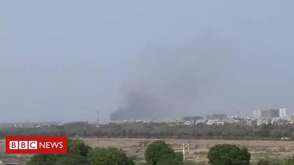 Photo of Pakistan International Airlines passenger plane crashes in Karachi