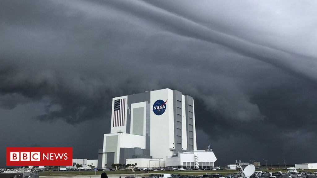 Photo of Nasa SpaceX launch: Big day called off because of weather