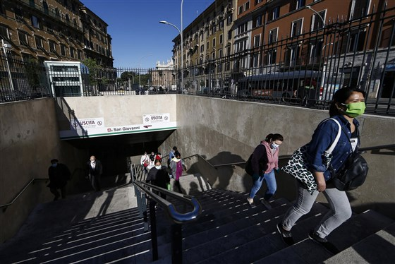 Photo of Italy eases out of lockdown as 4 million people head back to work