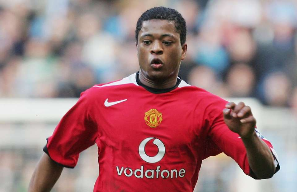 Photo of Patrice Evra issues warning to current and future Manchester United players
