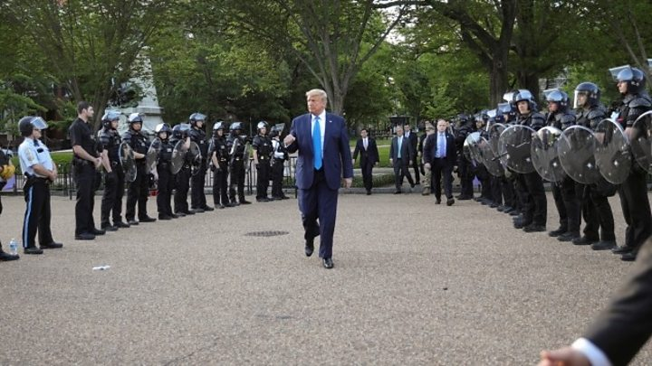 Photo of George Floyd death: Trump threatens to send in troops to end unrest