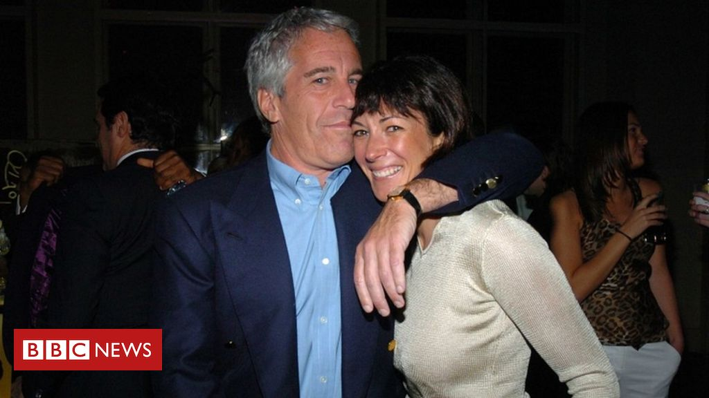 Photo of Ghislaine Maxwell requests bail due to 'significant' coronavirus risk