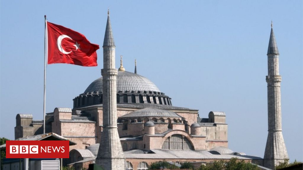 Photo of Hagia Sophia: Iconic Istanbul museum 'could return to mosque'