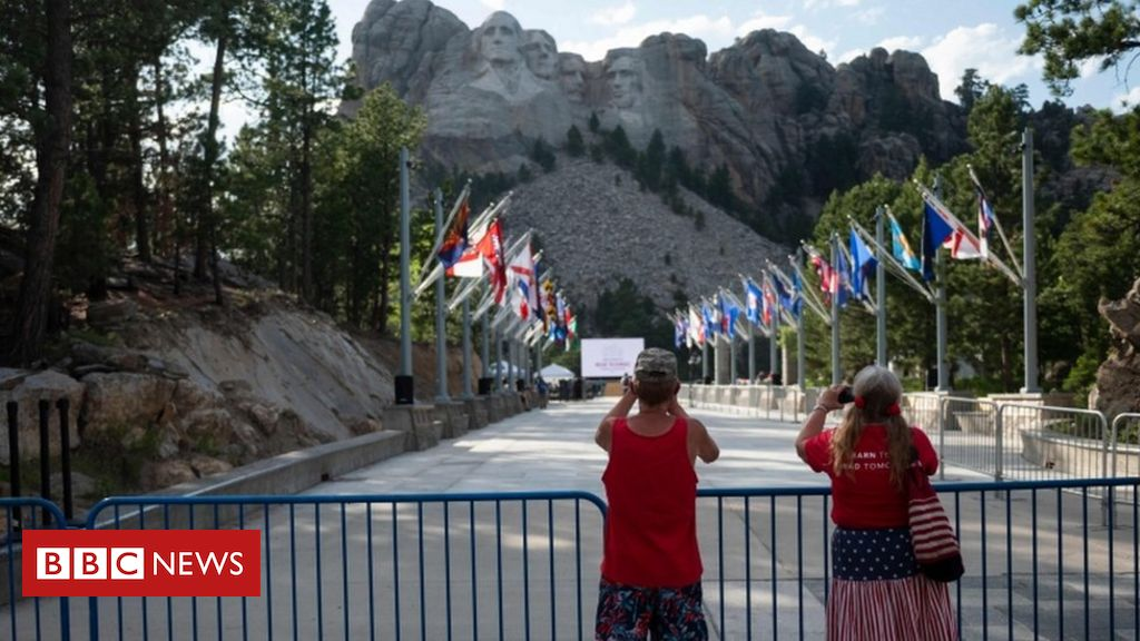 Photo of Mount Rushmore: Trump to host 4 July event despite virus concerns