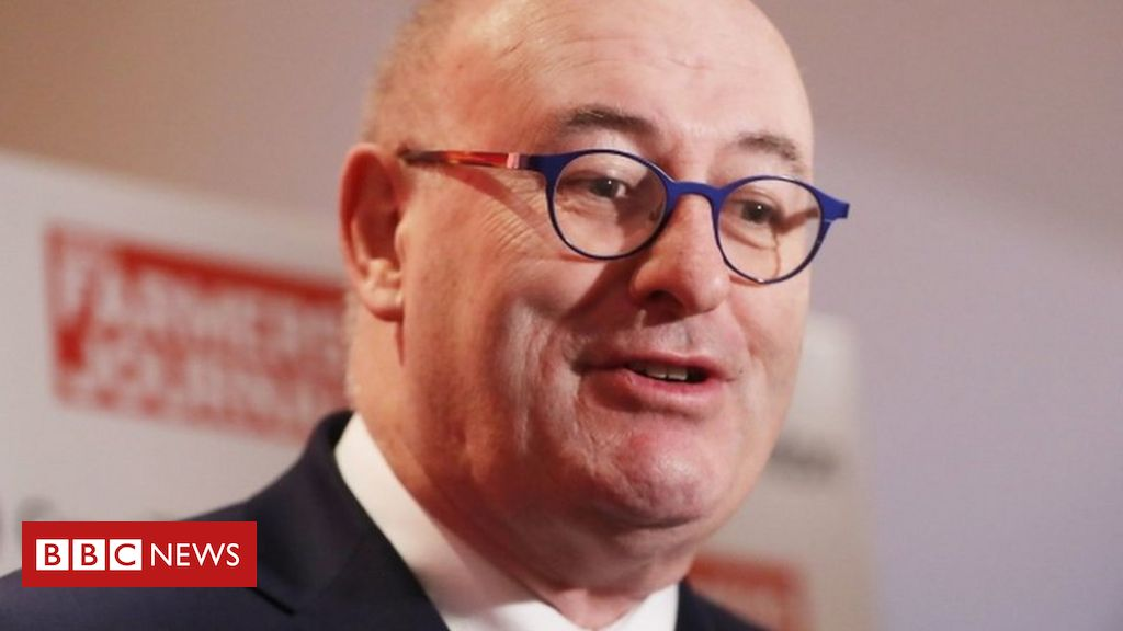 Photo of EU Commissioner Hogan to resign over Covid breach