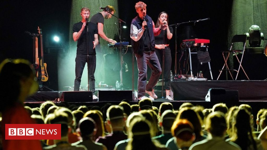 Photo of Coronavirus: Germany puts on crowded concerts to study risks