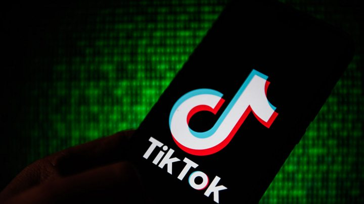 Photo of TikTok founder defends potential Microsoft sale