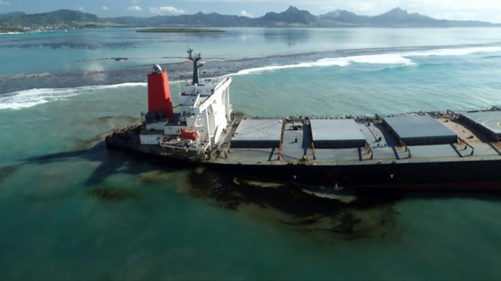 Photo of Mauritius oil spill: Fears vessel may 'break in two' as cracks appear