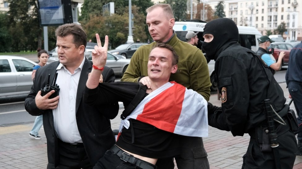 Photo of Belarus protests: Students held as marches mark new term