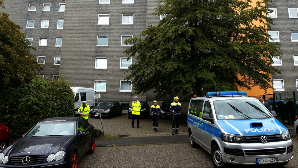 Photo of Germany children deaths: Bodies of five found in flat in Solingen