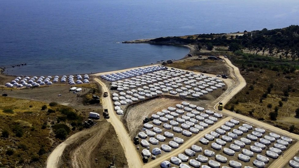 Photo of Lesbos: Hundreds test positive for Covid-19 after migrant camp fire