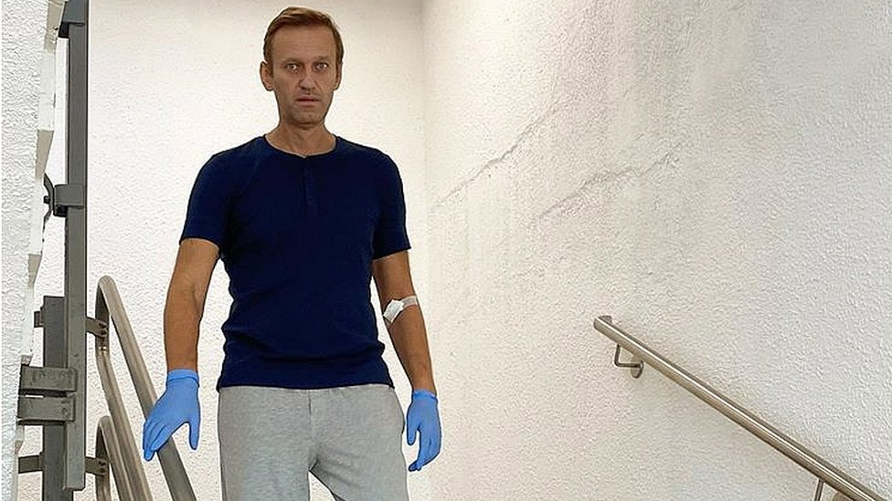 Photo of Alexei Navalny: Russian activist discharged from Berlin hospital