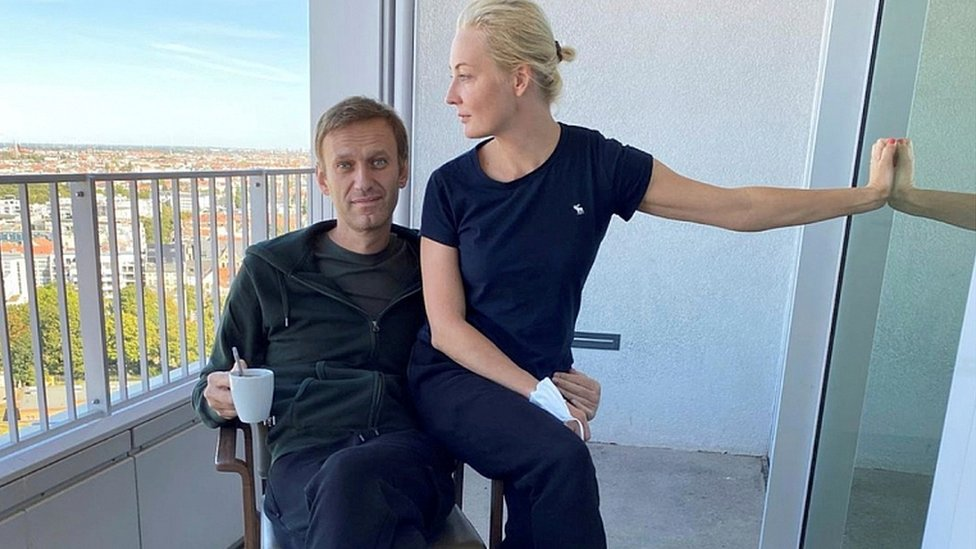 Photo of Alexei Navalny has 'bank accounts frozen and flat seized'