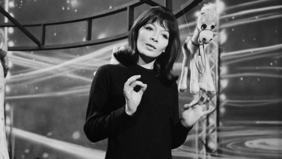 Photo of Juliette Gréco: Doyenne of French singers dies at 93