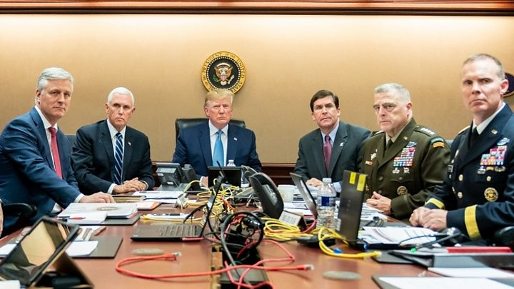 Photo of Trump panned over reports he called US war dead 'losers'