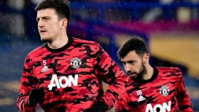 Photo of Man Utd star Bruno Fernandes 'not happy' he is losing 'important' Harry Maguire battle