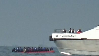 Photo of Channel crossings: More than 800 migrants make perilous journey in new daily record