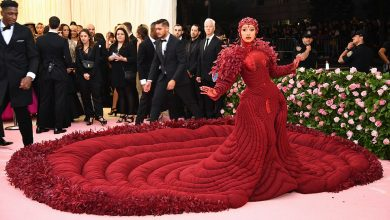 Photo of Zendaya Looked Like She Was Dripping Wet on the Red Carpet in a Custom Balmain Gown
